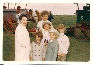 Millie Ward, Marianna Beach, and the Graves and Edwards girls.